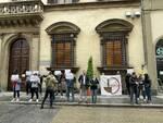 protesta Il dirigibile a Firenze sullo smaltimento illecito dei rifiuti