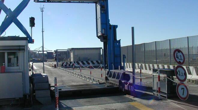 scanner porto di Livorno