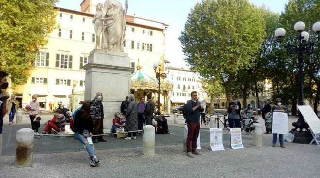 sit-in Legambiente Atto Primo 5G inquinamento elettromagnetico