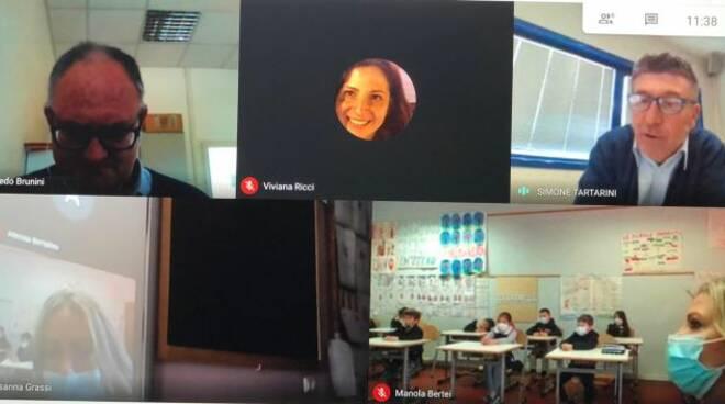 videolezione Gaia nella scuola primaria di Camporgiano