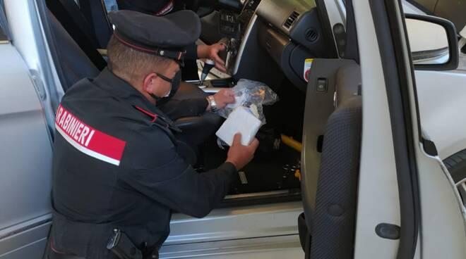 carabinieri droga follonica