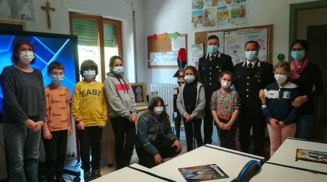 carabinieri incontro scuola Cinigiano