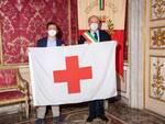 Croce Rossa consegna la bandiera al Comune