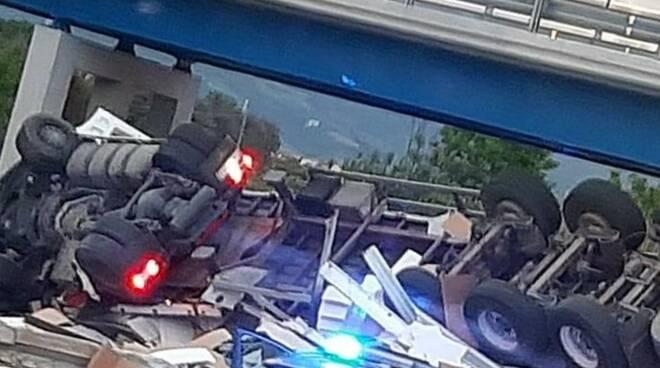 incidente camion a11