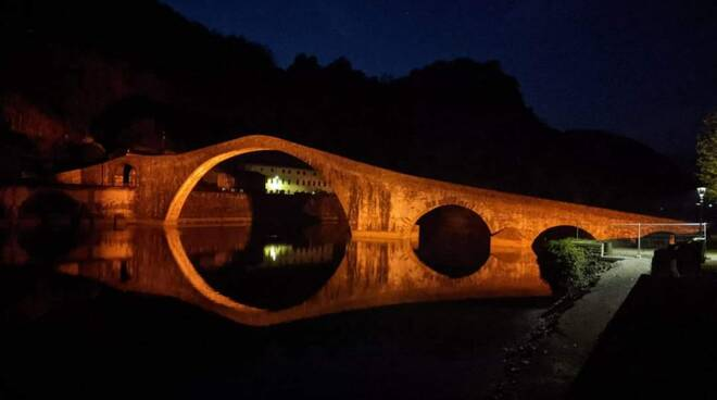 Ponte del Diavolo arancione