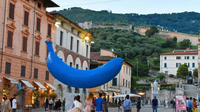 banana blu pietrasanta