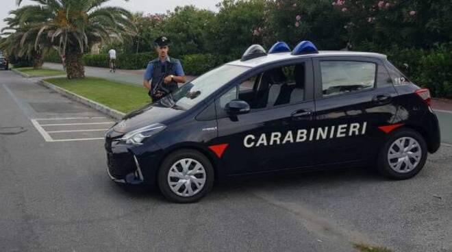 borse false marchi del lusso sequestro Forte dei Marmi carabinieri