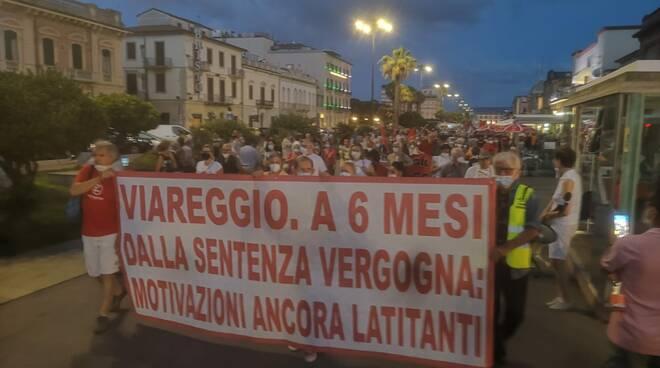 Corteo familiari vittime strage di Viareggio 29 giugno 2021