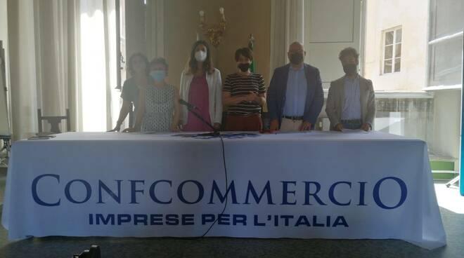 Le notti lucchesi in giro per la città Confcommercio Lucca