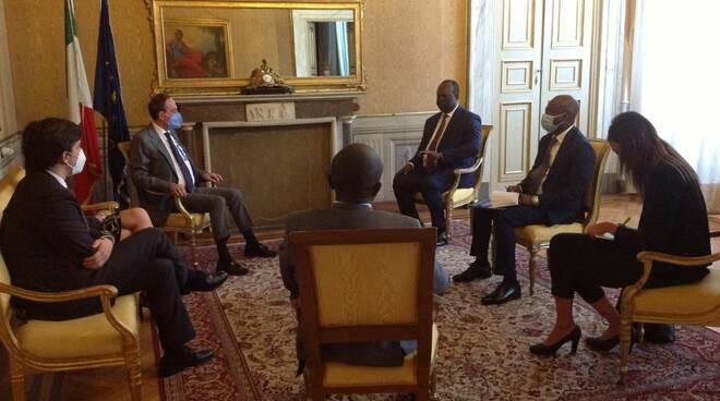 prefetto di Lucca Francesco Esposito e ambasciatore Samuel Ouattara