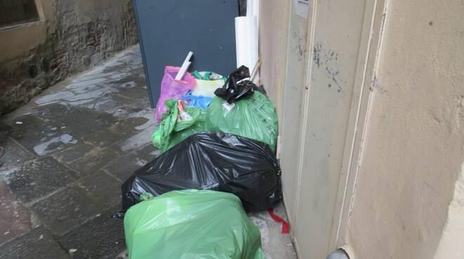 rifiuti in centro storico