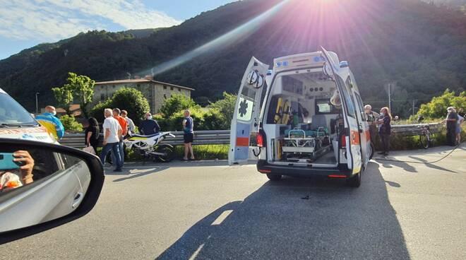 Scontro tra due moto sulla Lodovica: 4 feriti gravi