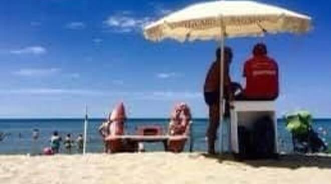 spiaggia viareggio foto fb comune