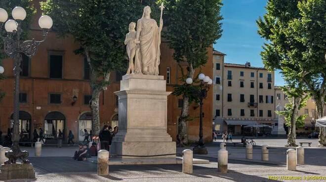 statua maria luisa lucca