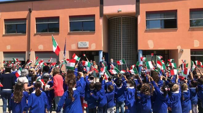 tricolore alla scuola primaria Livia Gereschi