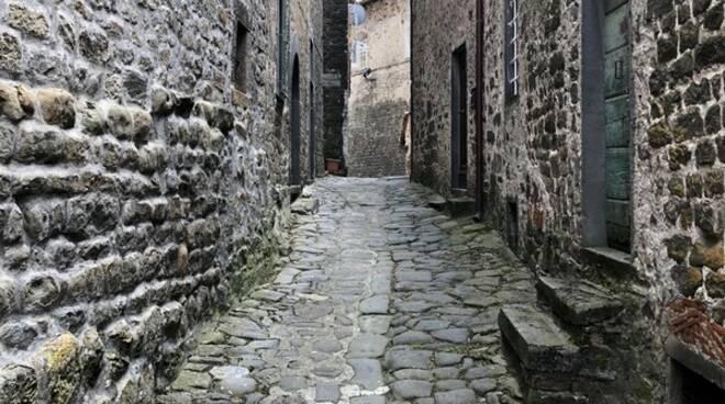 Casabasciana ripulita foto Ezio Pacini e Domenico Bertuccelli