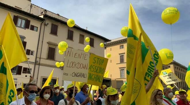 manifestazione contro cinghiali a firenze