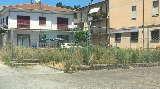 parcheggio via Primo Maggio Montecalvoli Basso