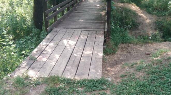ponte Rio dei Greppi via Francigena Galleno
