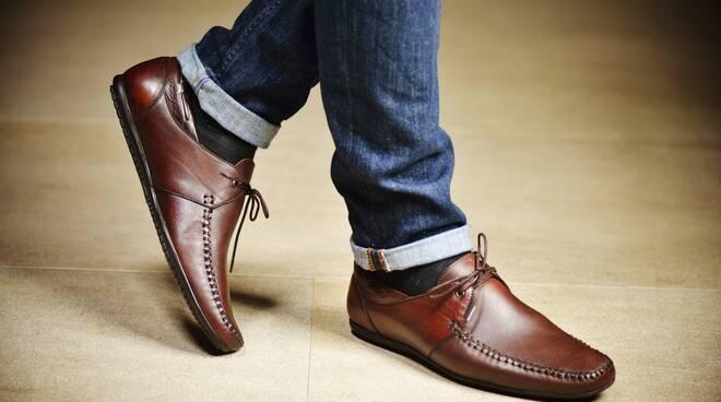 tintura scarpe pelle