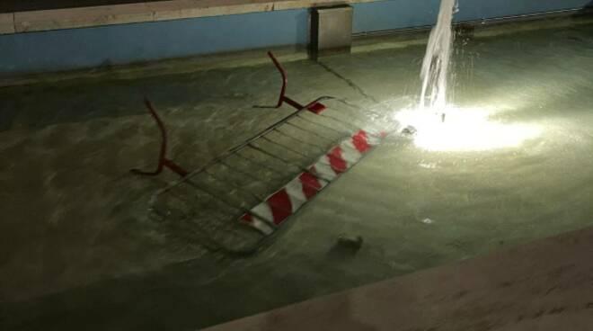 Transenna nella fontana a Viareggio