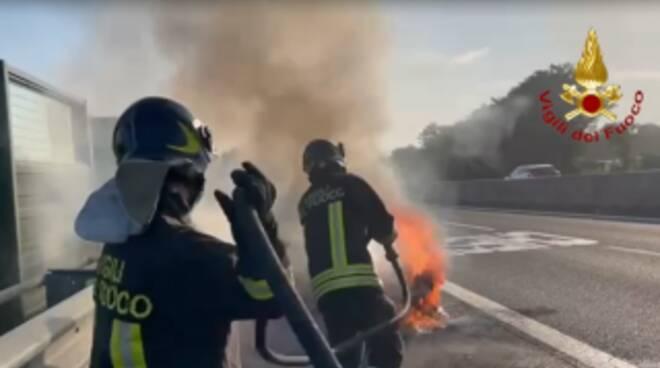 auto a fuoco in a11