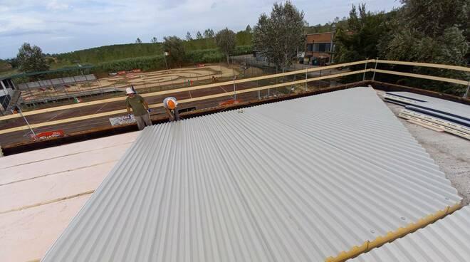 Lavori tetto impianto campo sportivo Casteldelbosco