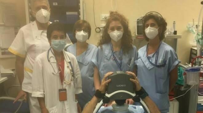massaggiatore cardiaco automatico