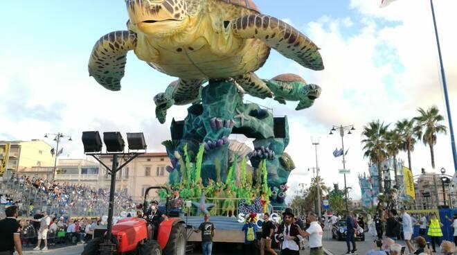 Carri Carnevale Viareggio