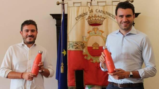 Cecchetti e Del Chiaro con le borracce