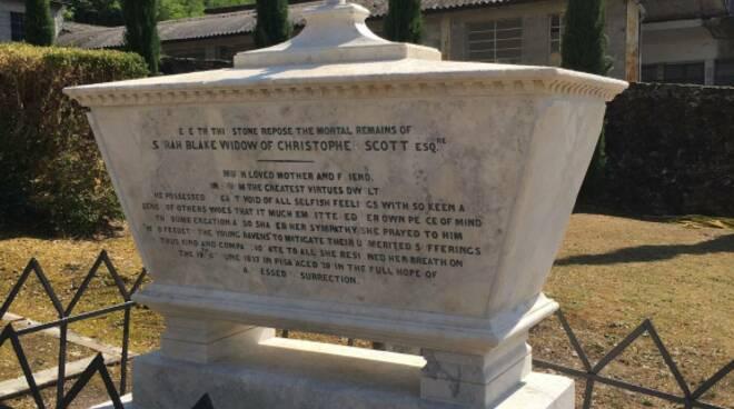 cimitero inglese di Bagni di Lucca restauri dei monumenti