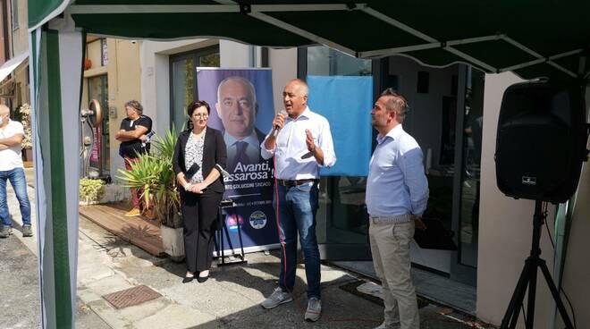 coluccini inaugura comitato elettorale massarosa
