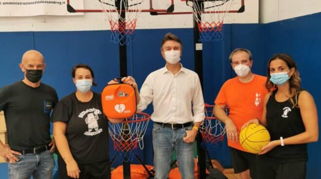 defibrillatore donato dalla farmacia comunale di altopascio