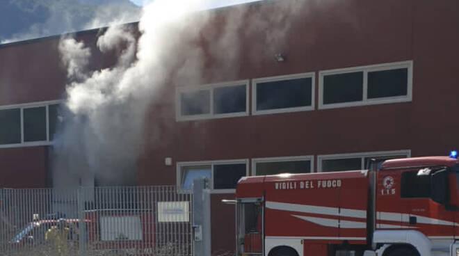 incendio magazzino kedrion mologno