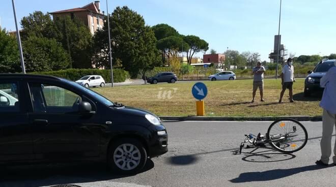 incidente auto bici a pontedera - foto enrico damiani