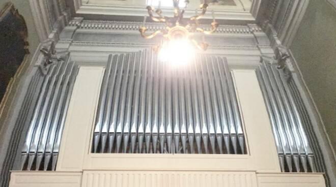 restauro alla Collegiata di Fucecchio coro organo