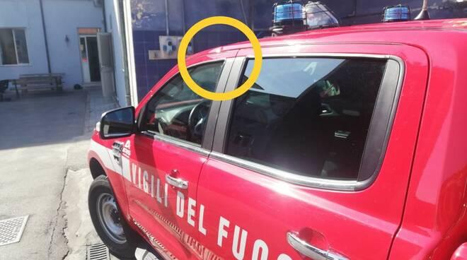 squadra dei vigili del fuoco aggredita a Viareggio