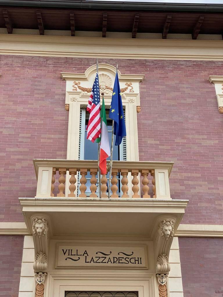 bandiera Usa e Italia Villa Lazzareschi Viareggio