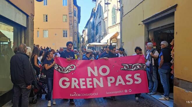 corteo green pass Lucca