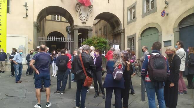 Ex Manifattura, ai cancelli di Palazzo Santini la protesta dei comitati