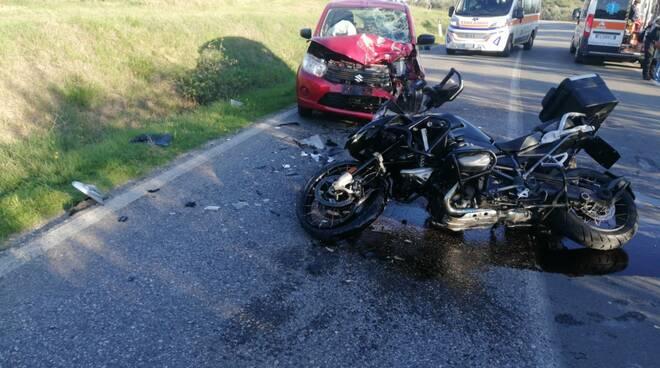 incidente stradale a cerreto guidi