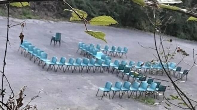 svastica sedie collodi